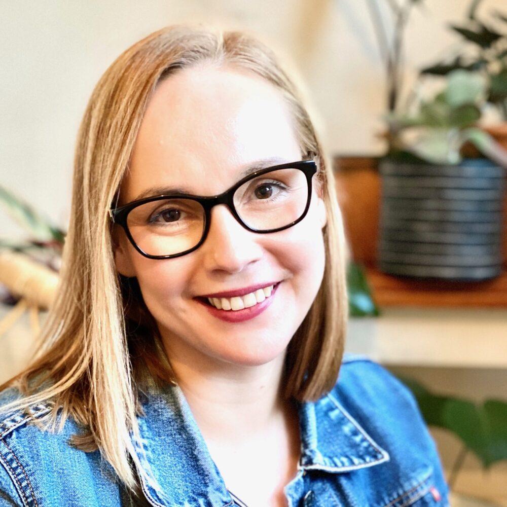 Dr Meg Hooper
